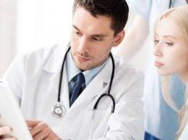 diagnosi_di_melanoma_-_dermatologo_paziente_-_myskin