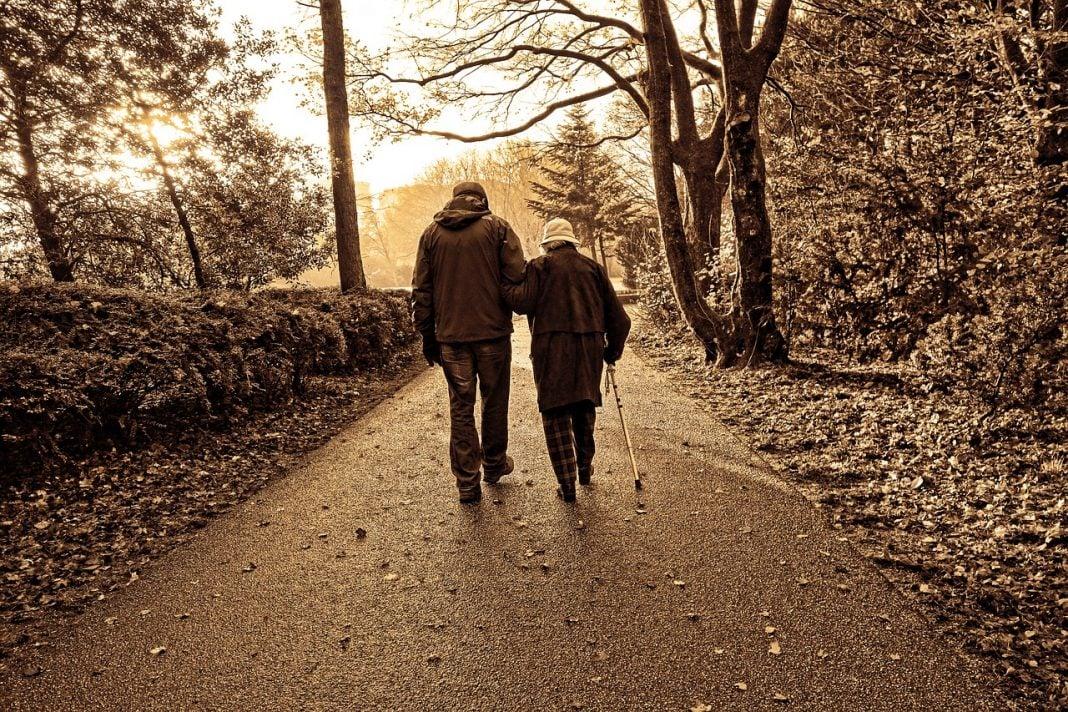 Stiamo invecchiando tutti i giorni. Ma per lo più ignoriamo, non riconosciamo o neghiamo.