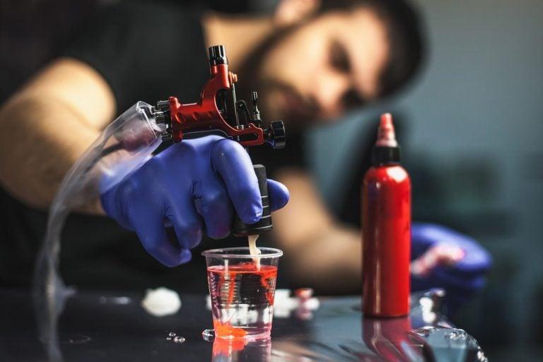 Perchè i tatuaggi sono considerati pericolosi