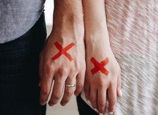 mani-coppia